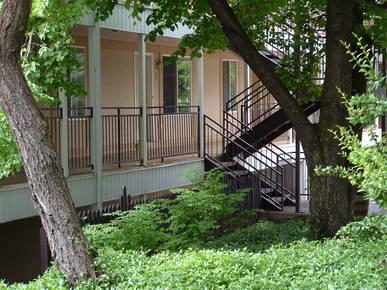 utahcollegehousing - Garden Court Apartments